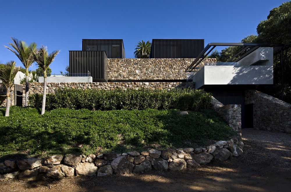 Local rock house 7 e architect for Local architects