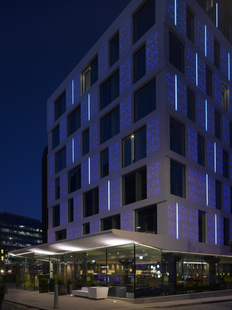 Motel one building city of london e architect for Motel one wellness