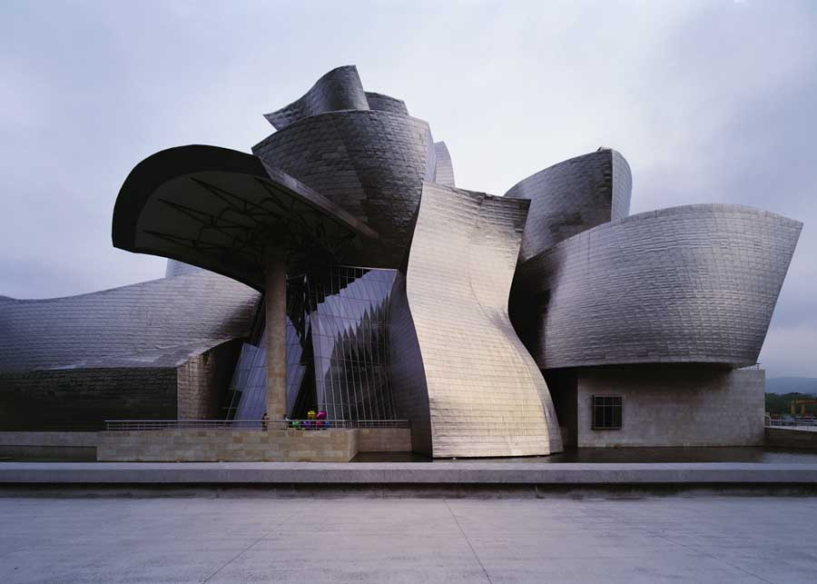 an analysis of the style of architecture in guggenheim museum in bilbao The guggenheim museum, bilbao and who better to design the architecture than frank gehry zinc-alloy and white plaster similar to the modernist style of le.