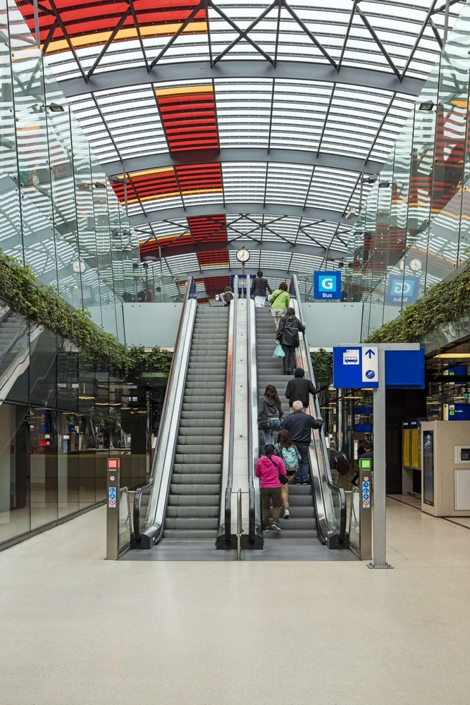 Ijhal pedestrian passageway 19 e architect for Product design jobs amsterdam