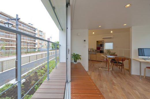 Riverside House in Horinouchi