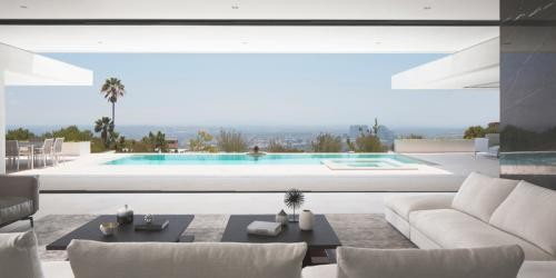 Mirror House in Beverly Hills