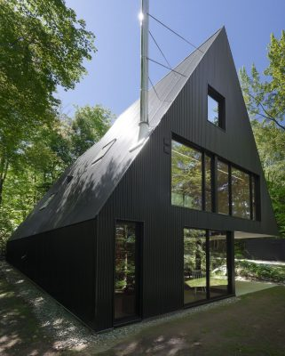 Best Residential Architecture, Single Family - Jean Verville Architecte: FAHOUSE, Eastern Townships, Canada