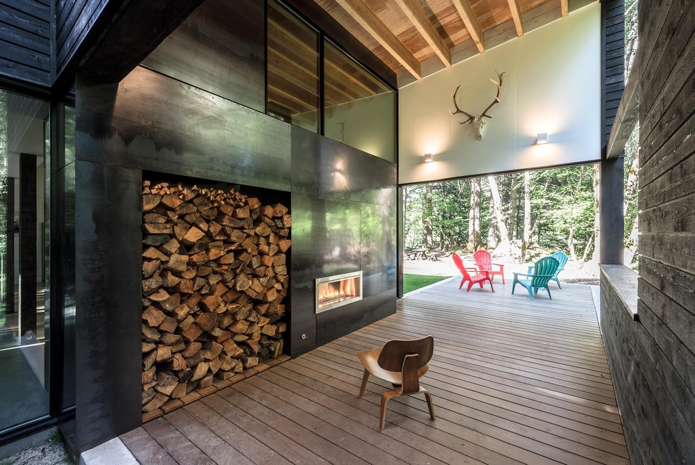 Courtyard house on a river 10 e architect for Furniture bank seattle