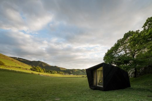Arthur's Cave Pop-up Hotel Cabin at Castell y Bere | www.e-architect.com