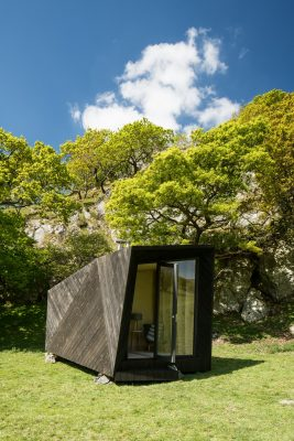 Arthur's Cave Pop-up Hotel Cabin at Castell y Bere | www.e-architect.co.uk