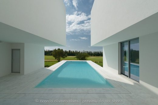 Modern Residence and Swimming Pool in Southern Portugal - design by Corpo Atelier