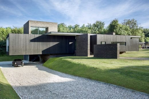 Black House in Kent by AR Design Studio