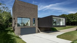 contemporary house in Kent | www.e-architect.com