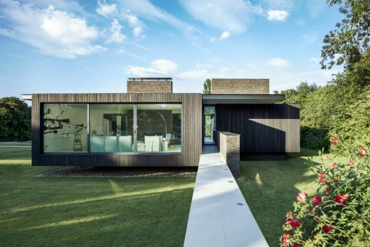 Black House Kent contemporary property
