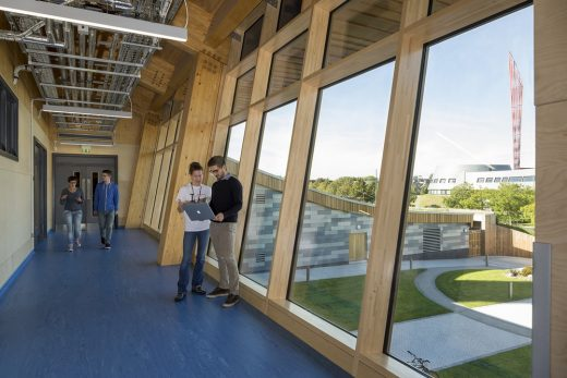 GlaxoSmithKline Carbon Neutral Laboratory for Sustainable Chemistry