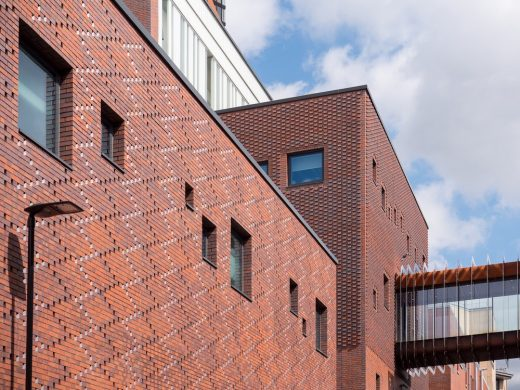 Sheffield Hallam University, Charles Street building brick facade