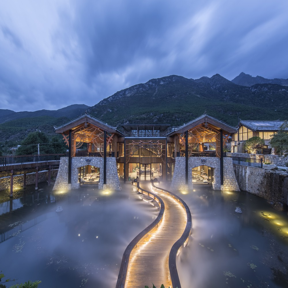 Twin Cities Kunming: Yunnan Province Building - e-architect
