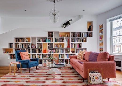 House for Booklovers and Cats - New York Houses