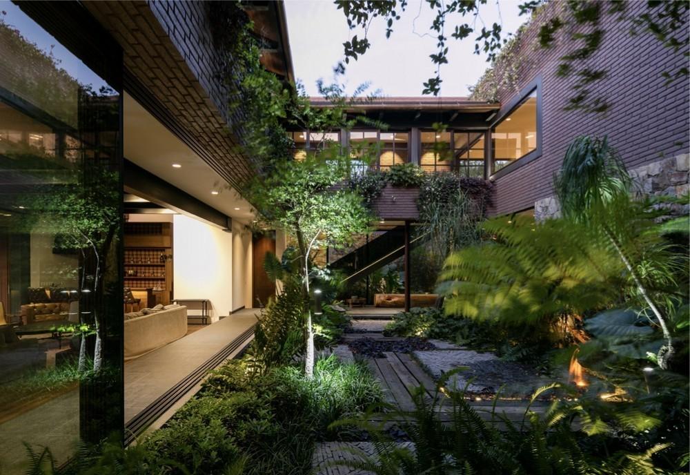 Contemporary Guadalajara Property