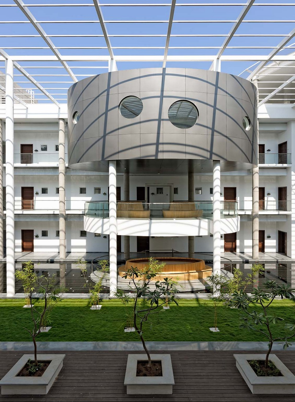 Vvip circuit house pune building 11 e architect for Architecture design for home in pune
