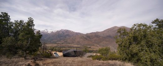 Cabin in Chile building design by Gonzalo Iturriaga Arquitectos