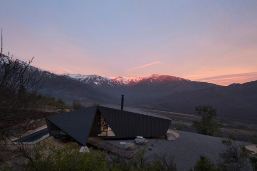 Mountaineers Refuge San Esteban design by Chile Architect