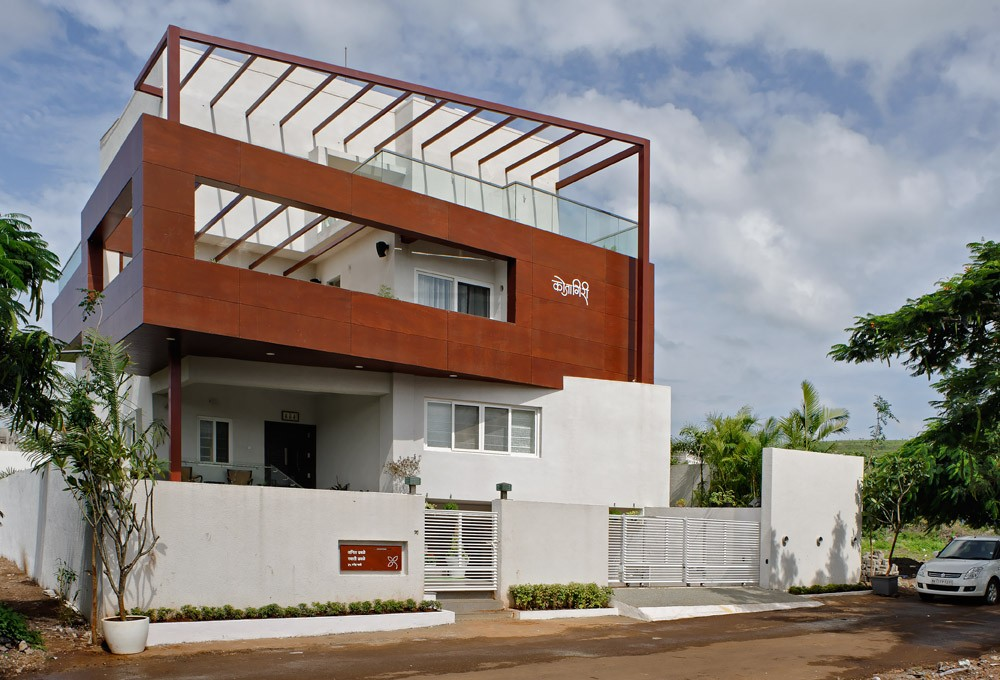 Tall house in pune e architect for Architecture design for home in india free