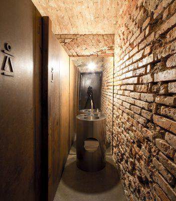 bistro EK Ljubljana toilet