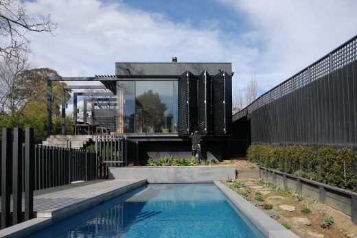 Ivanhoe Black House in Melbourne