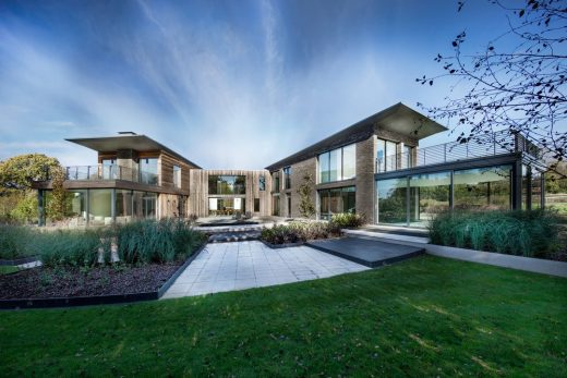 New Residence in Southern England - English Houses