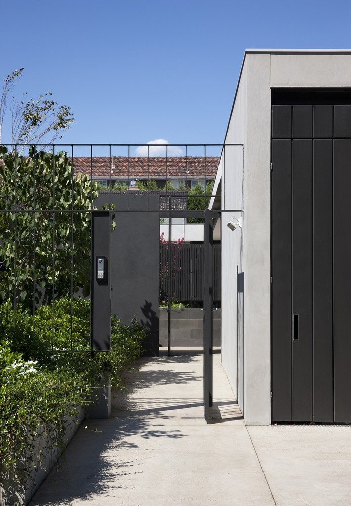 Toorak courtyard house in melbourne 3 e architect for Courtyard designs melbourne