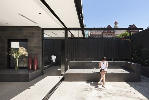 Toorak Courtyard House in Melbourne
