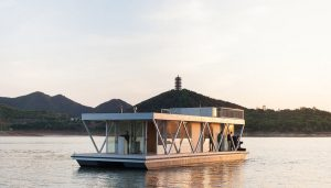 Floatwing House in China