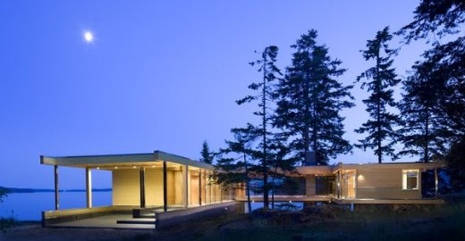 Strait of Georgia property design by RUFproject in British Columbia