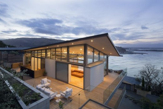 South Island of New Zealand residence by Borrmeister Architects
