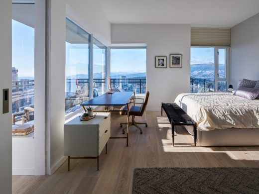 Coal Harbour Apartment in Vancouver
