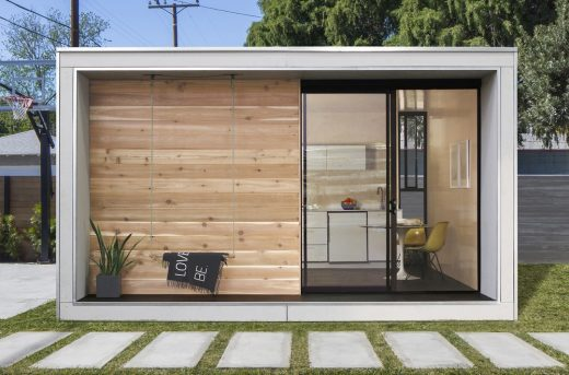 Plús Hús flat-packed prefab home by Minarc