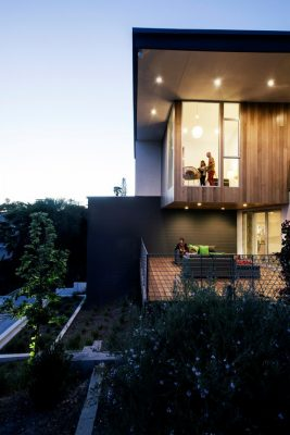 Contemporary Los Angeles Residential Building