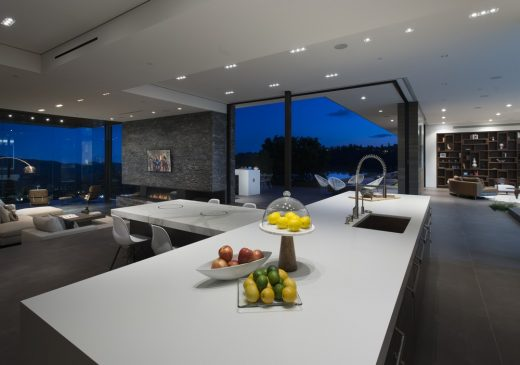 Benedict Canyon Residence in Beverly Hills
