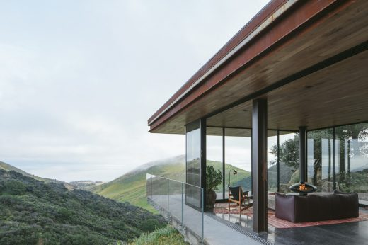 Off-Grid Guest House in California