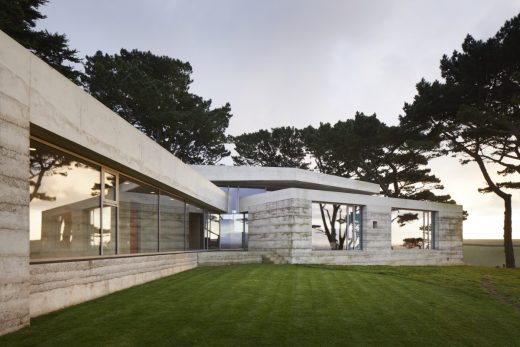 Secular Retreat house by Peter Zumthor in Devon