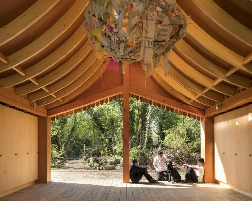 Belvue Woodland Classrooms building by Studio Weave