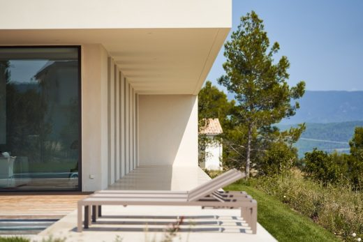 Maisonp Residence in Le Puy-Sainte-Reparade