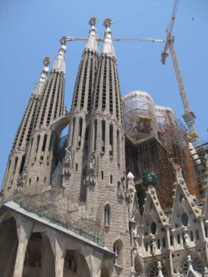 Sagrada Familia Barcelona, Antoni Gaudi church building