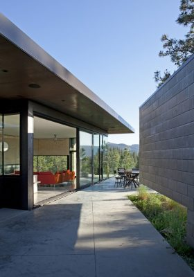 Friesen Wong House in Okanagan BC