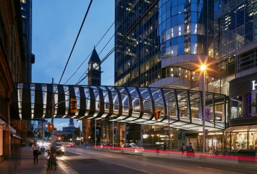 Lighting of the CF Toronto Eaton Centre Bridge