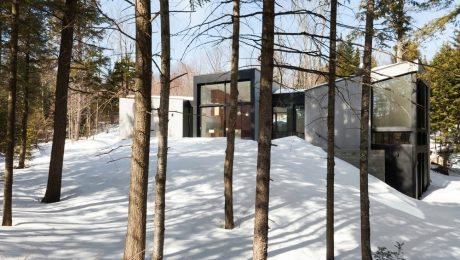 Triptych House in Wentworth Nord
