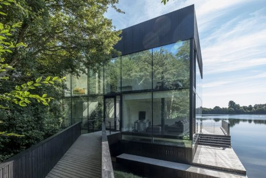 Glass Villa on the lake, Lechlade, Gloucestershire