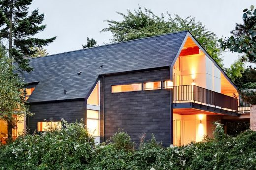 Folded Plane House in Seattle