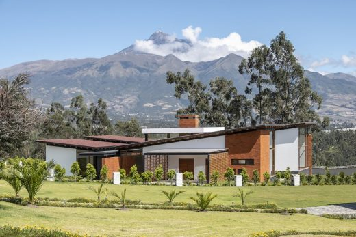 House AO in Otavalo