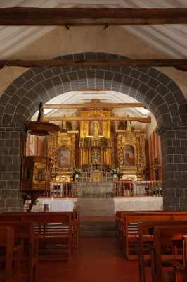 Altar of the church of Kuñotambo after conservation