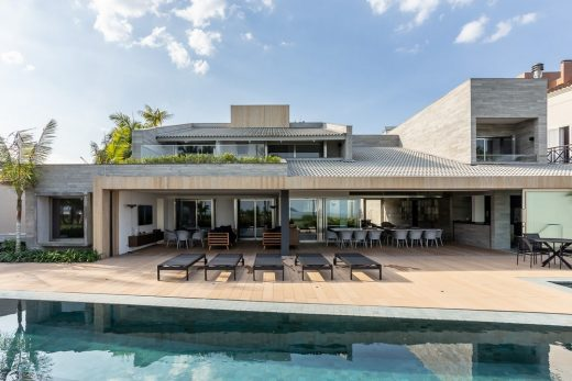New luxury home in São Paulo state designed by Basiches Arquitetos Associados