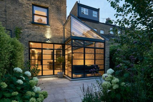 Lantern Lean-to in London