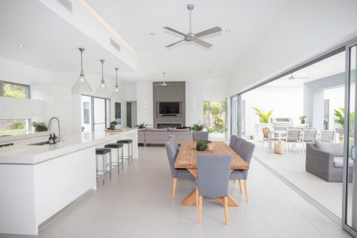 Noosa Valley House design by Sarah Waller Architecture
